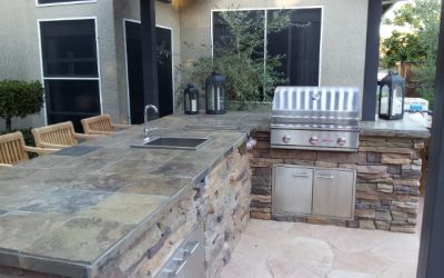 LetBarudoniincrease your entertaining space with an elegant outdoor kitchen.
